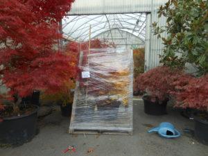Transport de plantes filmées emballées